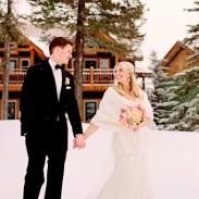 Mariage à la neige, station de ski en hiver