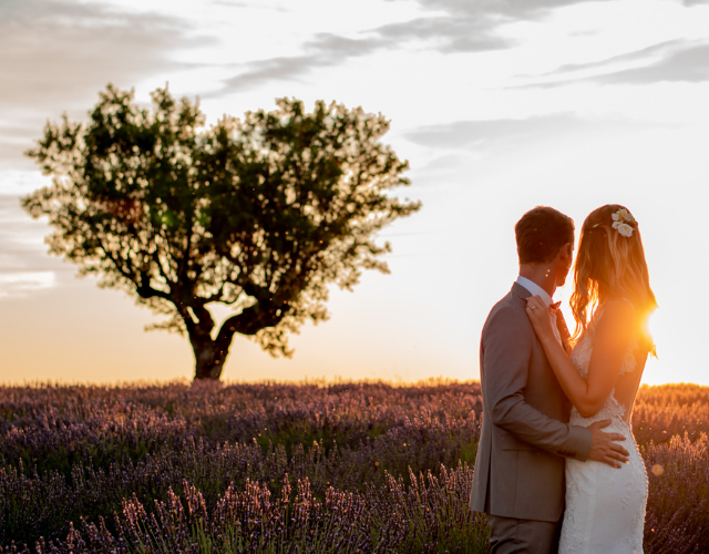 couple in the lavender fields in Provence