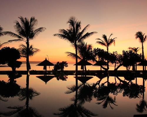 Couché de soleil à Bali Noce de Rêve by Flovinno