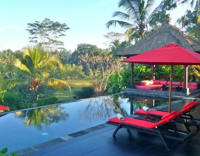 Piscine dans un hôtel à Bali Noce de rêve by Flovinno