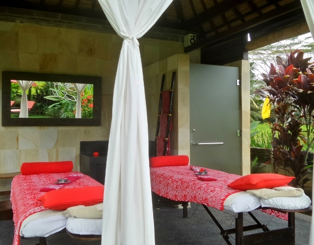 Table de massage à Bali Noce de Rêve by Flovinno