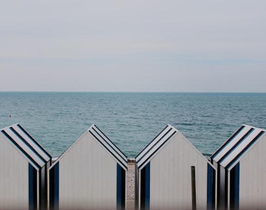 Petite cabane sur la plage en Normandie Noce de Rêve by Flovinno