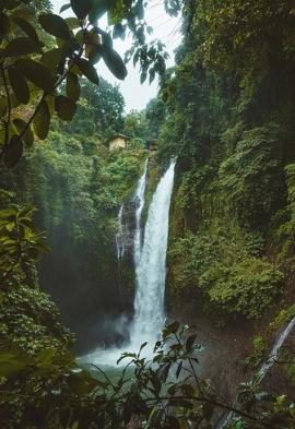 Cascade à Bali Noce de rêve by Flovinno