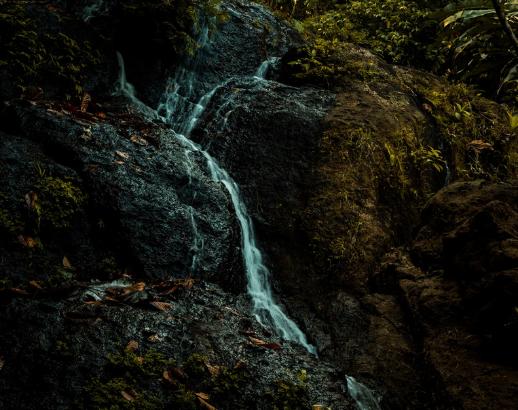 Cascade de pierre aux Antilles Noce de Rêve by Flovinno