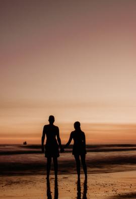 Couple au couché de soleil Noce de rêve by Flovinno