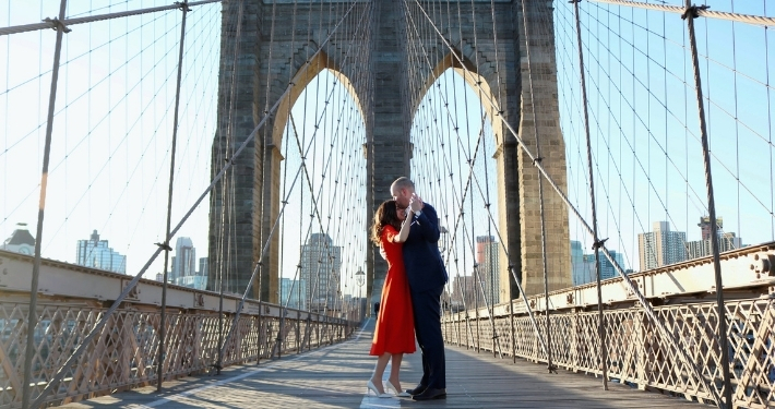 Couple sur un pont de New York Noce de Rêve by Flovinno
