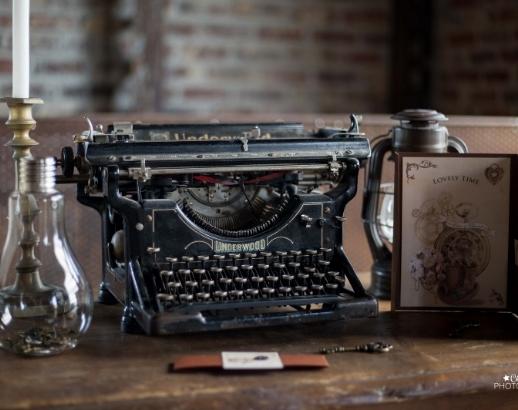 Machine à écrire sur le thème steampunk Noce de Rêve by Flovinno