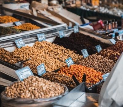 Marché Crétois stand de fruit à coque Noce de Rêve by Flovinno
